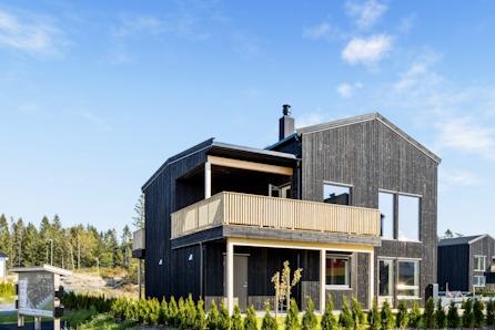 Moderne og fleksible eneboliger i Grimstads mest populære boligfelt. Kun 4 igjen!